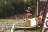 Egzotyczne miejsce! Plażowicze i miłośnicy sportów wodnych są zachwyceni Bahama Wake w Rakowicach Małych