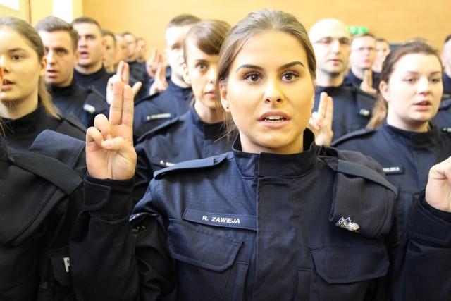 Nowi policjanci wstąpili w szeregi wielkopolskiej policji