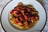 Bigos z cebuli z pieczarkami. Danie na obiad - przepis