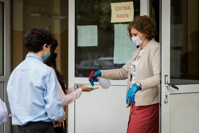 Egzaminy maturalne przebiegały w reżimie sanitarnym.