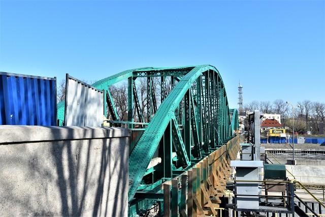 Most im. Ireny Sendlerowej prowadzący z Pasieki na Wyspę Bolko zamknięty do odwołania.