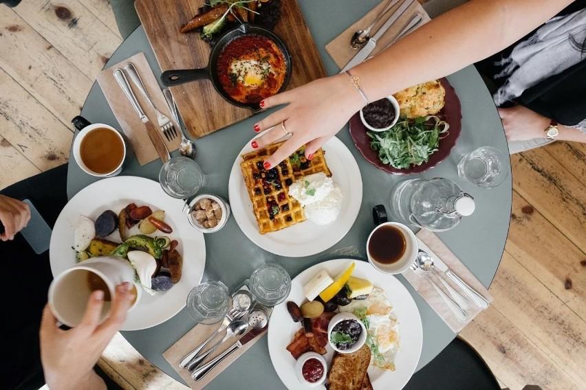 Zakwaterowanie i gastronomia - przeciętne wynagrodzenie...