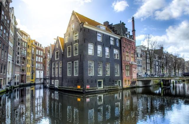 Jaka pogoda w Amsterdamie jest w konkretnych miesiącach?