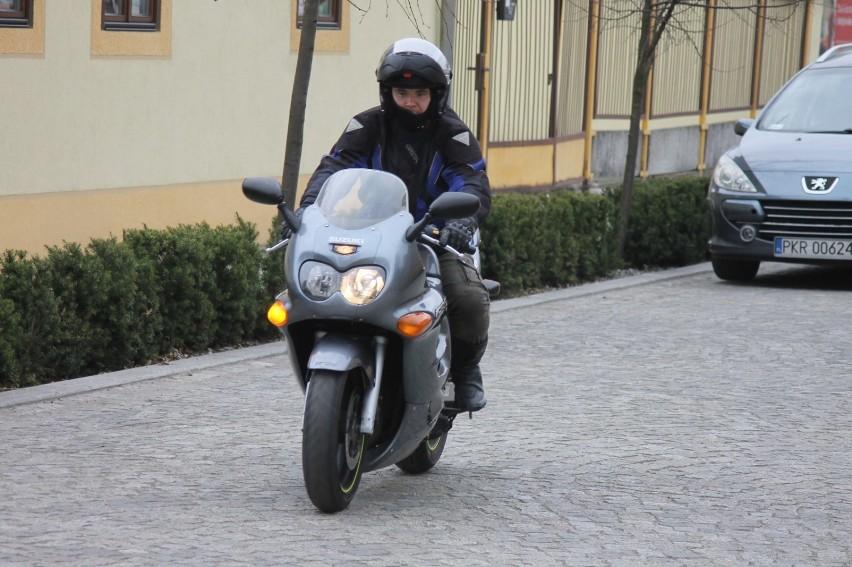Wielkiego rozpoczęcia sezonu motocyklowego raczej nie będzie choć wielu już jeździ. Zobacz galerię sprzed roku [ZDJĘCIA]