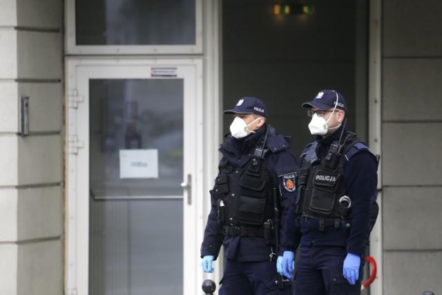 Sondaż: Spada zaufanie Polaków do funkcjonariuszy policji
