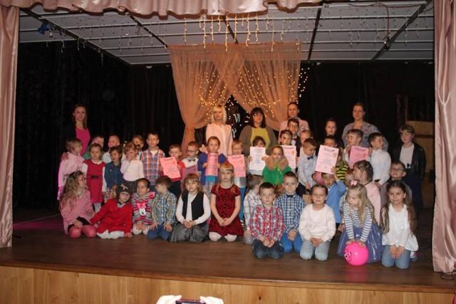 Przedszkolaki I Pierwszoklasiści Z Gminy Czermin Recytują