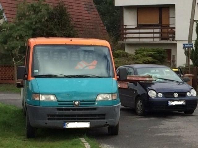 Do wypadku doszło przy ul. Romantycznej w Lewinie Brzeskim.