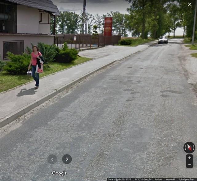 Wybraliśmy się na wirtualny spacer ulicami Karbowa. Było on możliwy za pośrednictwem Google Street View.