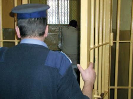 Dwie dwuosobowe cele to zdecydowanie za mało — uważają cieszyńscy policjanci.