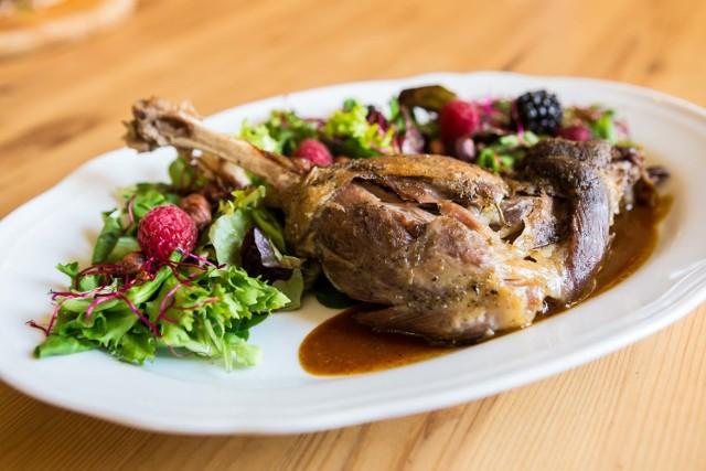 Gęsina nie tylko na Świętego Marcina. Jak wybrać i przygotować to najzdrowsze z drobiowych mięs?