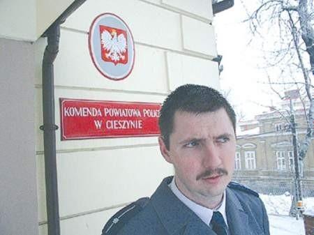 Młodszy aspirant Wiesław Kasprzyk lubi swoją pracę, kontakt z ludźmi. Dzielnicowym jest od czterech lat.  Wojciech Trzcionka