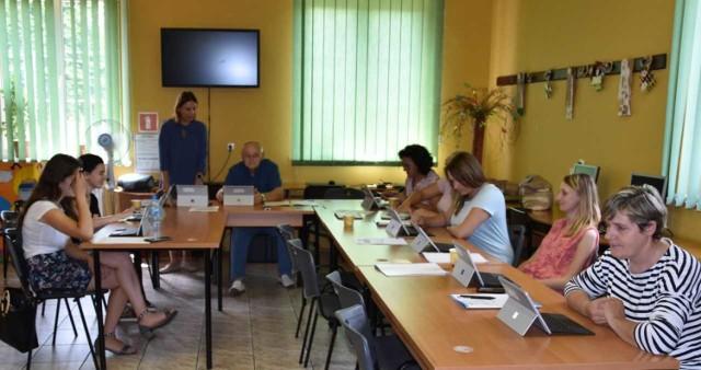 W Poświętnem wystartował projekt edukacji cyfrowej mieszkańców gminy
