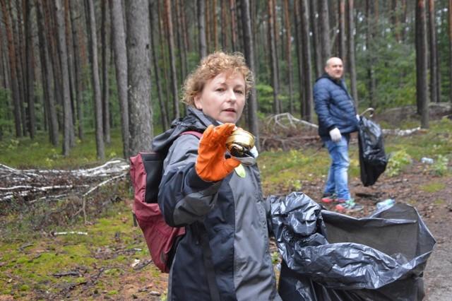 """Sprzątanie świata  akcja """"Czysty Las"""" w Bełchatowie"""