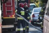 Dzielnicowy z Brzegu uratowali z pożaru starsze małżeństwo. 71-latek miał problem z poruszaniem się