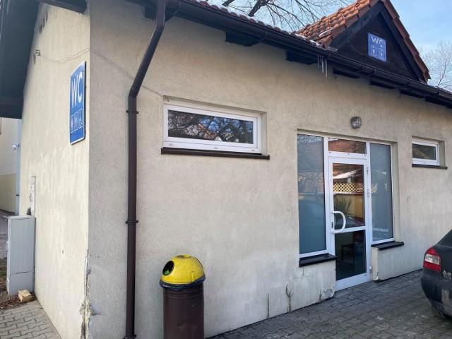 Miejski szalet w Wadowicach od lat jest nieczynny