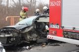 Koszmarny wypadek na drodze Legnica-Kunice. Porsche zniszczone, są ranni!
