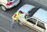 Strefa parkowania wciąż się rozrasta, mandatów przybywa