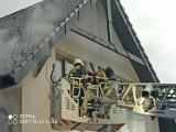 Pożar w Vilii Rubinstein w Wiśle. Ogień w SPA, jedna osoba uwięziona na balkonie