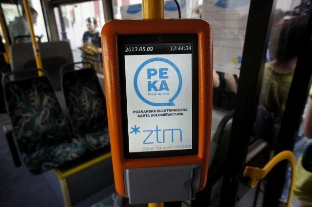 """Karta PEKA Junior, podobnie jak """"klasyczna"""" karta PEKA, będzie musiała być przykładana do specjalnych czytników"""
