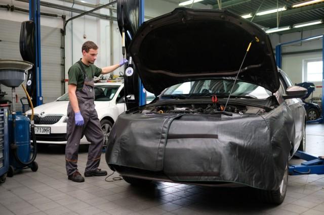 Zdjęcie ilustracyjne/Za pośrednictwem wąbrzeskiego pośredniaka pracodawcy poszukują m.in. mechaników