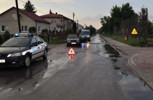 W Biłgoraju pijany mężczyzna wtargnął pod koła samochodu