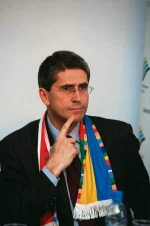 Prezydent miasta, w którym miałyby się odbyć mistrzostwa, powinien ważyć słowa  – mówi Cezary Stryjak.