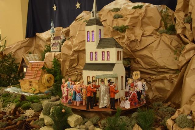 Bożonarodzeniowa szopka w Charłupi Małej