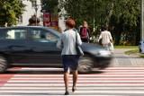 Piesi wciąż nie są bezpieczni na przejściach dla pieszych. A miało być inaczej...