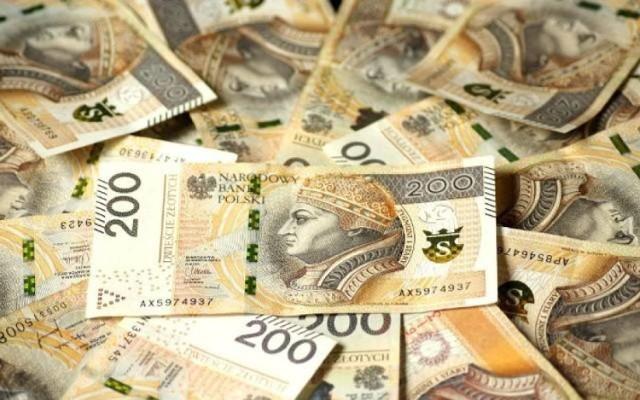 Trzy gminy oraz Pałuckie Centrum Zdrowia dostaną pieniądze w ramach Rządowego Funduszu Inwestycji Lokalnych.