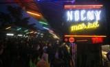 Co robić nocą w Warszawie? Wakacyjne atrakcje w stolicy, które zachwycają po zmierzchu