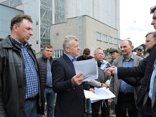 Rolnicy przekazali swe petycje ws. skupu rzepaku przez Spółkę Elewarr