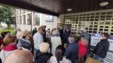 Opóźnienia w dostawie szczepionek. Punkt szczepień w Piotrkowie ruszył dwie godziny później, punkt w Moszczenicy ruszy dopiero w środę