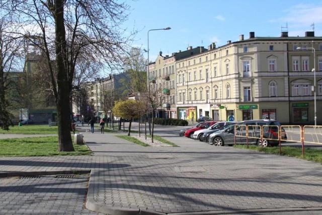 Puste ulice Będzina i Dąbrowy Górniczej. Rok temu koronawirus zaczął zmieniać nasze życie Zobacz kolejne zdjęcia/plansze. Przesuwaj zdjęcia w prawo - naciśnij strzałkę lub przycisk NASTĘPNE