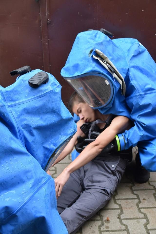 Strażacy ratowali uczniów śremskiego ZSP. Na szczęście były to tylko ćwiczenia