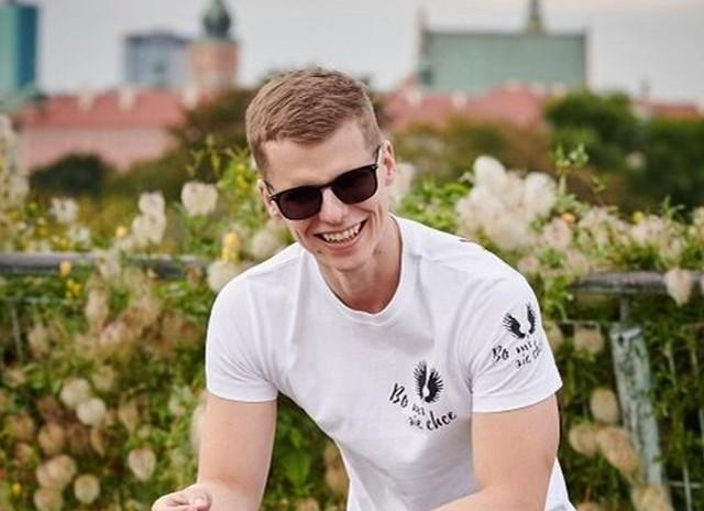 Niesamowity pływak, wicemistrz olimpijski, mistrz świata i Europy - Wojciech Makowski będzie gościem kolejnego spotkania z dziećmi w Grójcu.