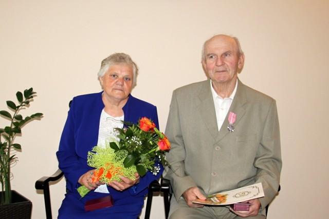 W kijewskim USC kilka par świętowało 50-lecie pożycia małżeńskiego. Na zdjęciu państwo Małkowscy