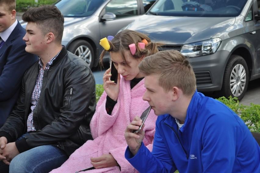 Pogoda sprzyjała bawiącym się na Kozim Jarmarku w Dolsku -...