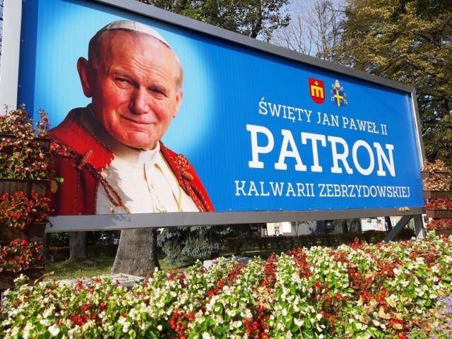 Radni Kalwarii Zebrzydowskiej w uchwale powołali się na patrona miasta - Jana Pawła II