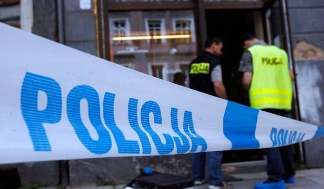 Mężczyźni włamywali się do bankomatów używając mieszanin gazowych. Łącznie zrabowali 1.5 mln zł w gotówce.