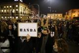 Protesty w Warszawie. Dzisiaj na ulice wyjdą Strajk Kobiet, przedsiębiorcy i antyfaszyści. Centrum miasta będzie zablokowane