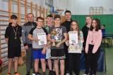 Uczniowie ze szkoły w Biernej mistrzami powiatu w tenisie stołowym