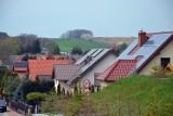 Masz fotowoltaikę na dachu? Powinieneś mieć też instalację odgromową - tak radzą naukowcy, którzy badali panele słoneczne