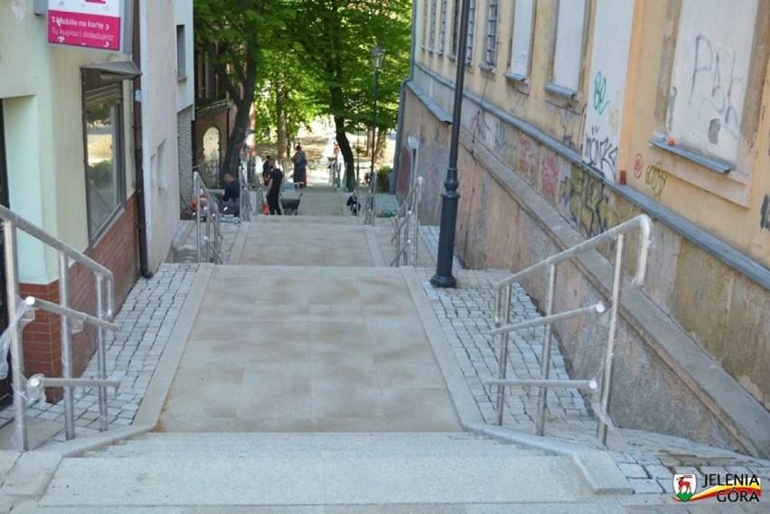 Ulica ks. Dominika Kostiala oraz Kamienne Schodki lada moment gotowe! [ZDJĘCIA]