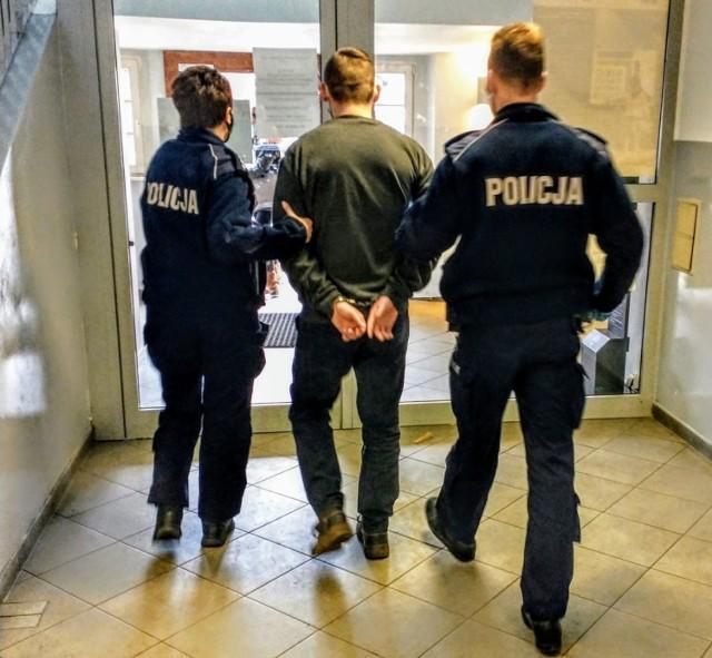 Opolscy policjanci zatrzymali cztery osoby podejrzane o związek z pobiciem.