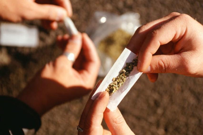 Leszno. Miał w aucie 650 gramów marihuany, a w bieliźnie metamfetaminę. Został aresztowany