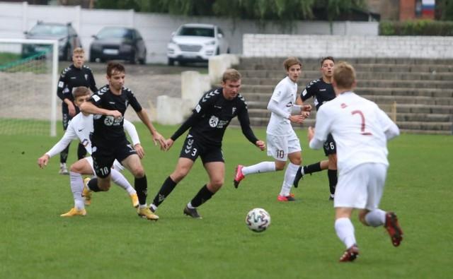 Zagłębie Lubin wygrało 2:1 z Górnikiem Zabrze w meczu 10. kolejki Centralnej Ligi Juniorów U-18 i zachowało trzecie miejsce w tabeli.