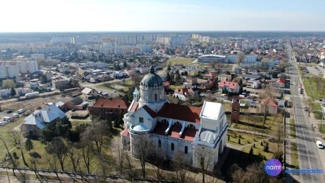 Sprawdziliśmy, ile mierzą, jak się nazywają i gdzie się znajdują się najkrótsze ulice we Włocławku. Zobaczcie je w naszej galerii TOP 10 najkrótszych ulic we Włocławku.