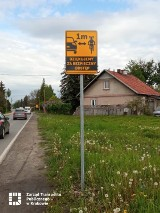 Kraków. Stanęły znaki, które przypominają kierowcom o rowerzystach