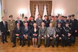 Krzyż Zasługi dla wójta gminy Sieradz Jarosława Kaźmierczaka ZDJĘCIA