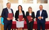 Powołanie nowych dyrektorów szkół i wręczenia aktów mianowania nauczycielom w gminie Żurawica  [ZDJĘCIA]